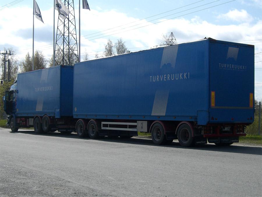 Kuorma-autoteippaus Turveruukki